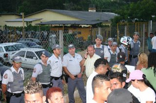 Confronto-Perueiros-Guarda-e-Policia-Militar-2