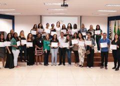 Prefeitura de Carapicuíba entrega 250 certificados de conclusão de cursos gratuitos
